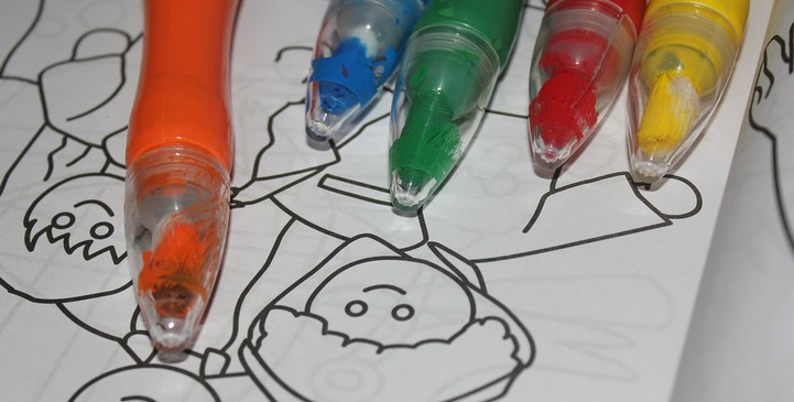 Crayons and coloring sheet